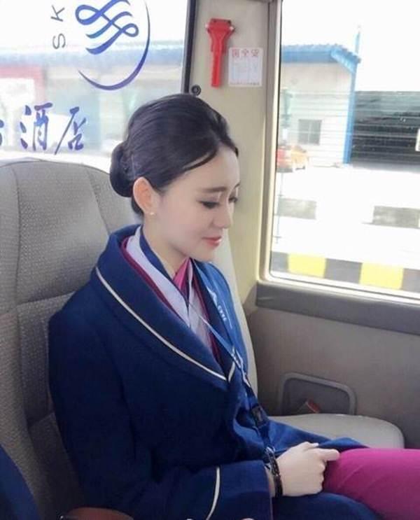 Vẻ đẹp ngọt ngào của mỹ nhân hàng không - 15