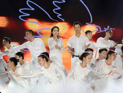 Hàng ngàn chiến sỹ nô nức cổ vũ liveshow Thanh Thúy - 6