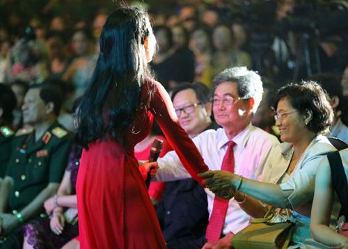 Hàng ngàn chiến sỹ nô nức cổ vũ liveshow Thanh Thúy - 13