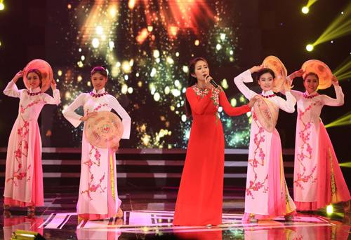 Hàng ngàn chiến sỹ nô nức cổ vũ liveshow Thanh Thúy - 12