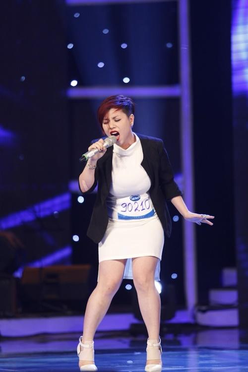 """""""Mỹ nhân đầu trọc"""" bị loại khỏi Top 10 Vietnam Idol - 4"""