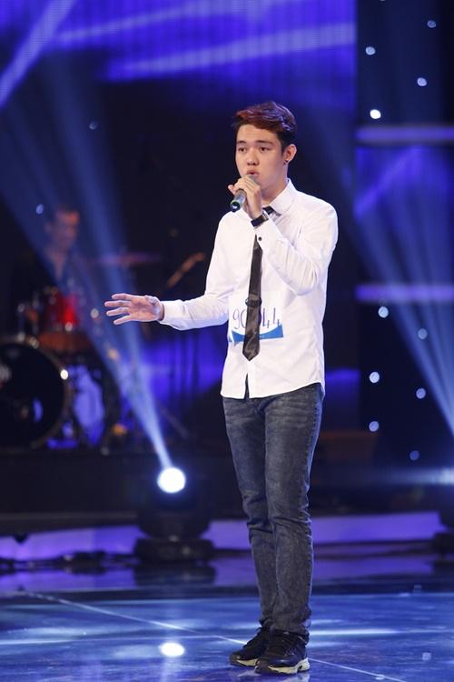 """""""Mỹ nhân đầu trọc"""" bị loại khỏi Top 10 Vietnam Idol - 2"""