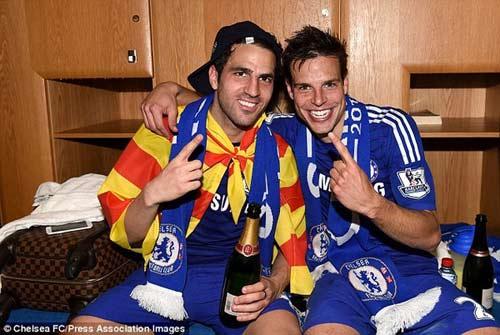 """Chùm ảnh Chelsea """"nổ tung"""" ăn mừng chức vô địch - 11"""