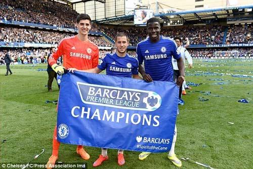 """Chùm ảnh Chelsea """"nổ tung"""" ăn mừng chức vô địch - 5"""