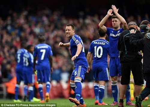 """Chelsea """"lên đỉnh"""", Mourinho sướng """"phát điên"""" - 2"""