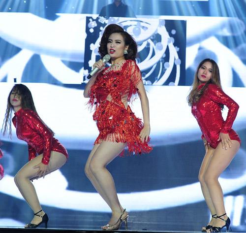 Hoàng Thùy Linh nhảy sexy, xóa tan tin đồn cấm diễn - 2