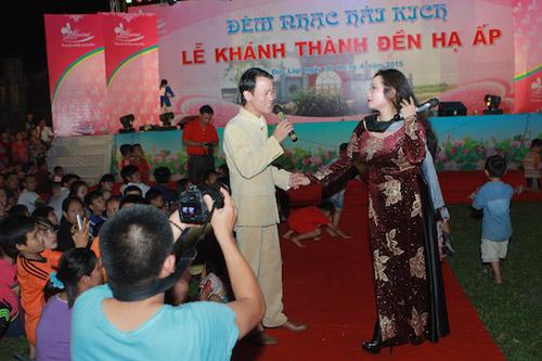 Vợ chồng Thanh Thanh Hiền nắm tay song ca tình tứ - 1