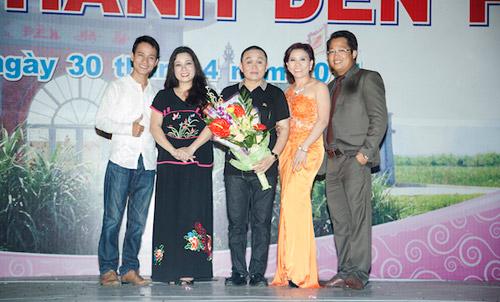 Vợ chồng Thanh Thanh Hiền nắm tay song ca tình tứ - 2