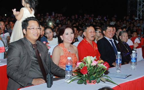 Vợ chồng Thanh Thanh Hiền nắm tay song ca tình tứ - 3