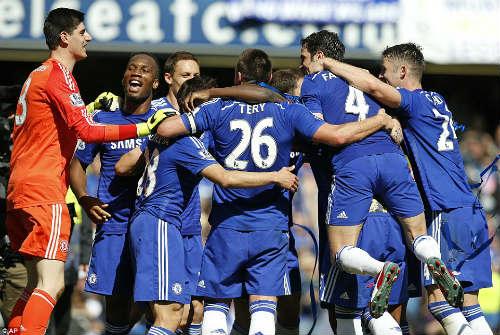 Báo chí tôn vinh Mourinho sau khi Chelsea đăng quang - 1