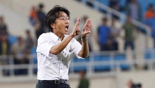 Ngó lơ hàng hiệu, HLV Miura tuyển… 'ông già' - 1