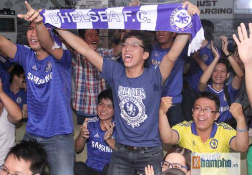 """Chelsea lên đỉnh, fan Việt """"tâm phục khẩu phục"""" - 2"""