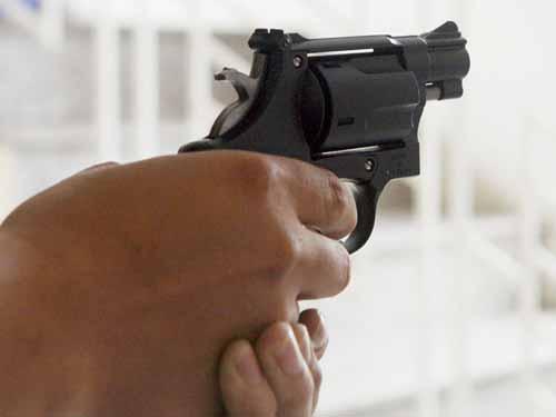 Thiếu úy cảnh sát bắn người vi phạm luật giao thông - 1