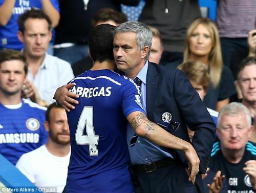 Fabregas chê Wenger không bằng Mourinho - 1