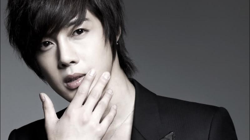 Kim Hyun Joong nhập ngũ khi con sắp chào đời - 3