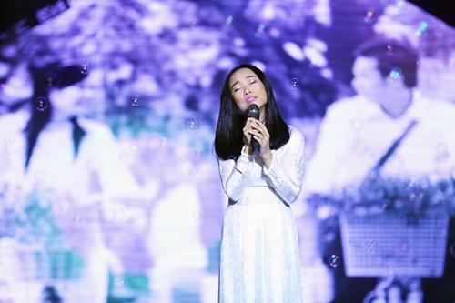 Đoan Trang diện áo dài trắng hát về tuổi học trò - 2