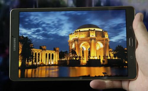 Galaxy Tab S2 mỏng hơn cả iPad Air 2 - 1