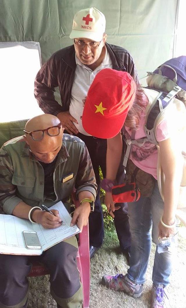 Tâm sự của đoàn leo núi người Việt trở về từ Nepal - 5