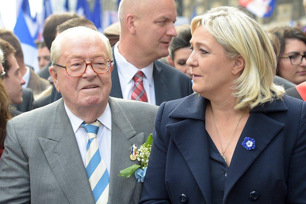 """Pháp: Thủ lĩnh cực hữu thân phát xít bị con gái """"phản bội"""" - 2"""