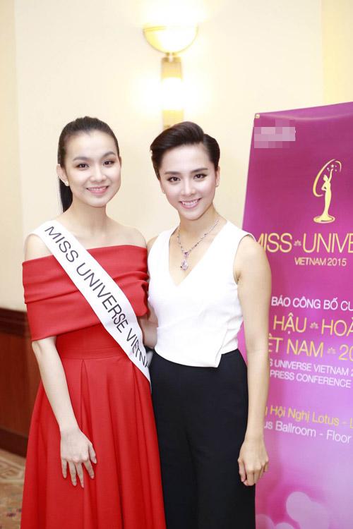 Mai Phương Thúy mặc váy ngắn đọ sắc với Thùy Lâm - 2