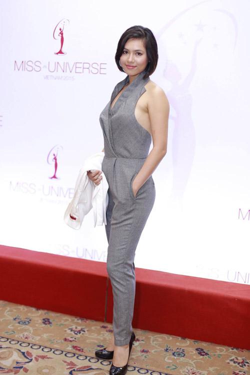 Mai Phương Thúy mặc váy ngắn đọ sắc với Thùy Lâm - 4