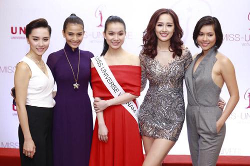 Mai Phương Thúy mặc váy ngắn đọ sắc với Thùy Lâm - 9