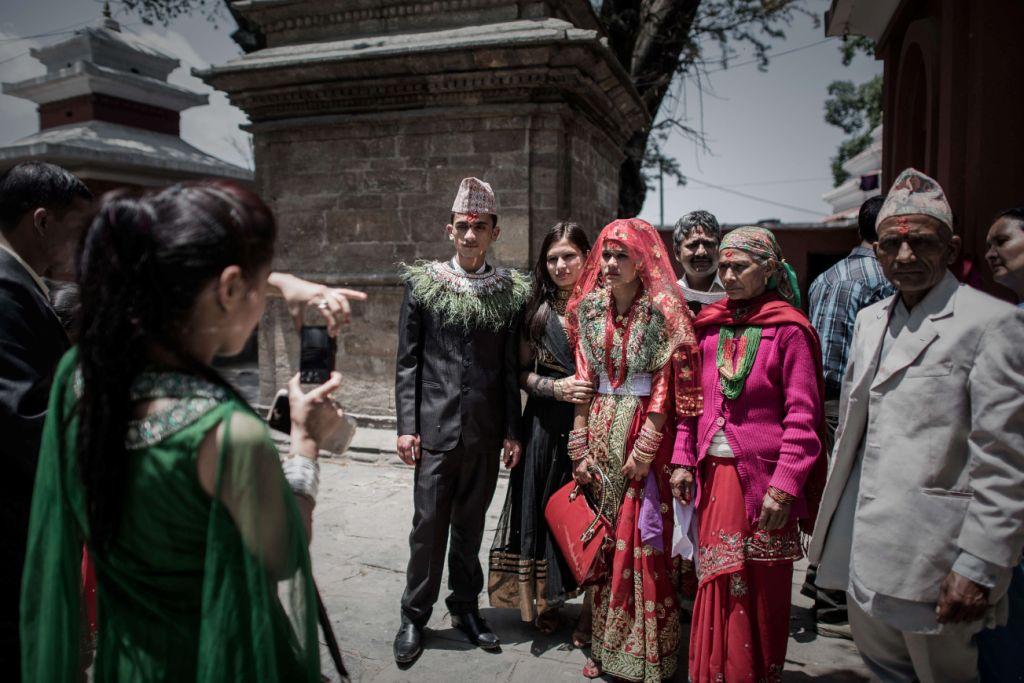 Nepal: Những đám cưới giữa lòng động đất kinh hoàng - 6