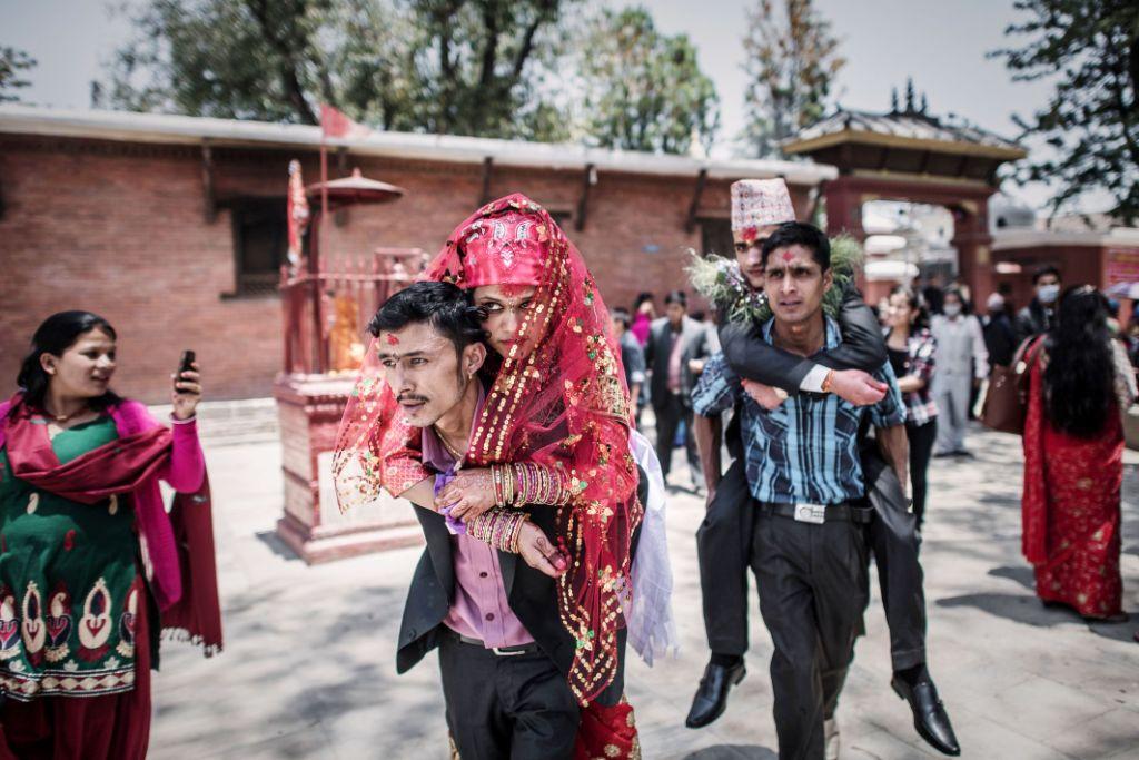 Nepal: Những đám cưới giữa lòng động đất kinh hoàng - 7