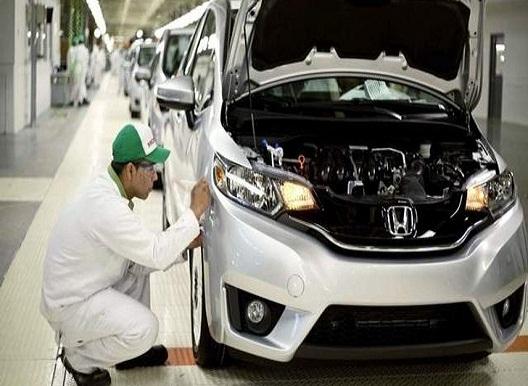 Doanh số quý I của Honda giảm mạnh - 1
