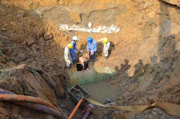 10 lần vỡ ống nước: Vinaconex hứa thi công trong tháng 8 - 1