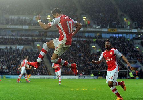 Arsenal: Vui hôm nay, vẫn lo ngày mai - 2