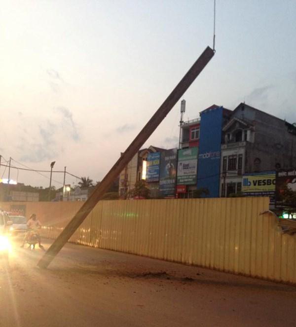 Sắt tuột cáp cẩu rơi ở đường sắt Nhổn - Ga Hà Nội - 2