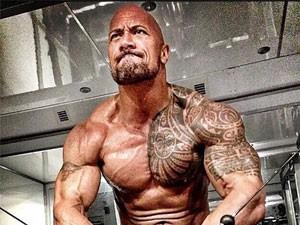 Giật mình với chế độ ăn của nam diễn viên The Rock