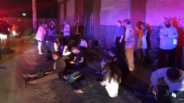 Mỹ: Tàu hỏa trật đường ray, 55 người thương vong - 3