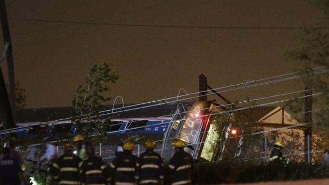 Mỹ: Tàu hỏa trật đường ray, 55 người thương vong - 1