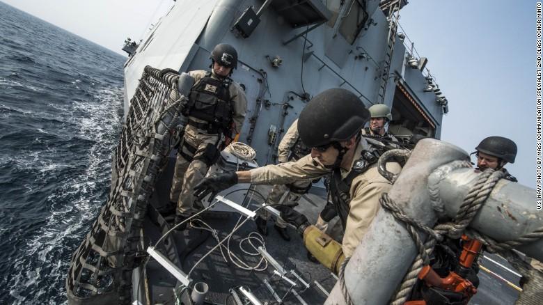Ngắm tàu chiến Mỹ vừa tuần tra trên Biển Đông - 2