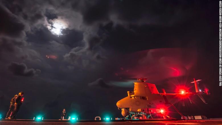 Ngắm tàu chiến Mỹ vừa tuần tra trên Biển Đông - 12