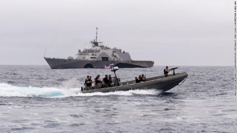 Ngắm tàu chiến Mỹ vừa tuần tra trên Biển Đông - 8