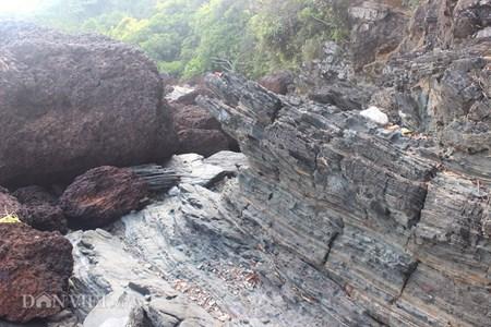 Đẹp hoang sơ ghềnh đá biển Rạng trên đất Quảng - 7