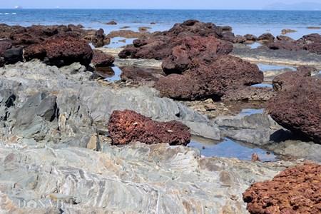 Đẹp hoang sơ ghềnh đá biển Rạng trên đất Quảng - 10