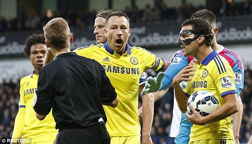 Chelsea thua thảm: Tại anh, tại ả hay tại ai - 1