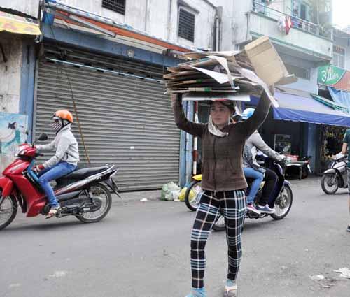 """Vụ 5 triệu Yên: """"Có tiền, tui mua gạo cho người nghèo"""" - 1"""