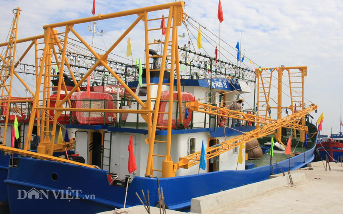 Tàu cá vỏ thép 8,7 tỷ của ngư dân miền Trung có gì đặc biệt? - 1