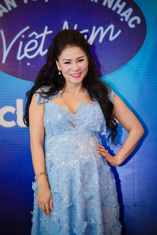 """Những """"bà bầu"""" tham công tiếc việc của showbiz Việt - 4"""