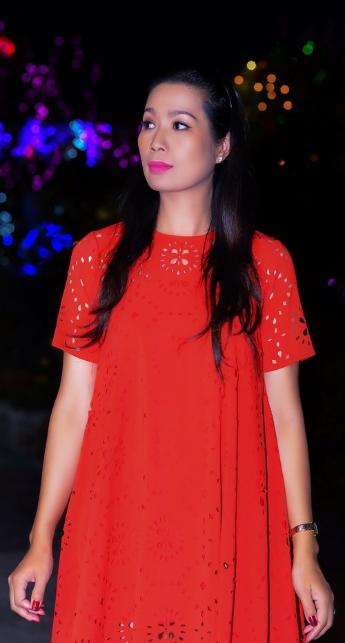"""Những """"bà bầu"""" tham công tiếc việc của showbiz Việt - 11"""