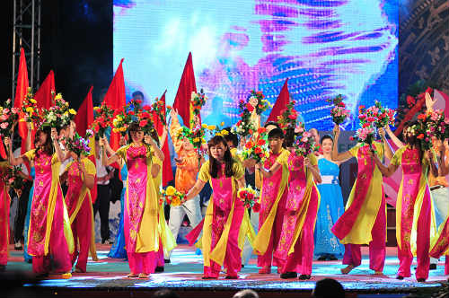 Tưng bừng lễ xuất quân đoàn TTVN tham dự SEA Games 28 - 10