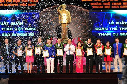 Tưng bừng lễ xuất quân đoàn TTVN tham dự SEA Games 28 - 4