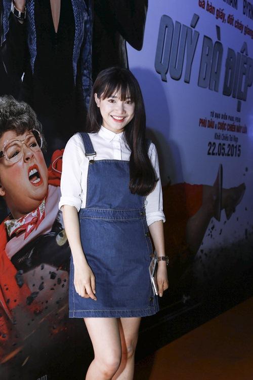 Em gái Phương Trinh táo bạo mặc xuyên thấu không nội y - 7