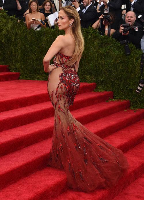 Jennifer Lopez: Nữ hoàng xuyên thấu của làng nhạc thế giới - 2