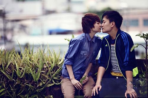 Những nụ hôn nóng bỏng của Minh Hằng trên màn ảnh - 4